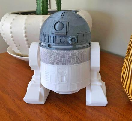 There's Now a Smart Speaker Mount That Will Turn Your Amazon Echo Dot Into R2-D2