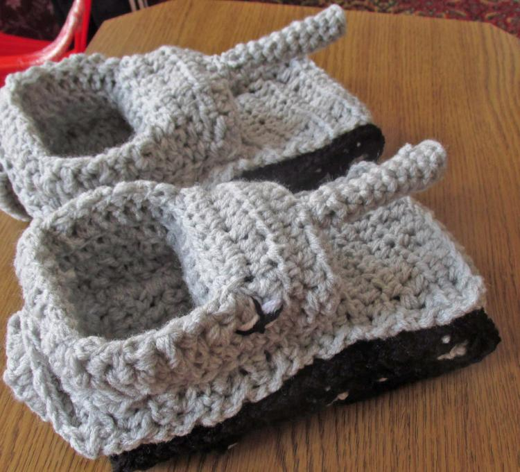 Crochet Tank Slippers