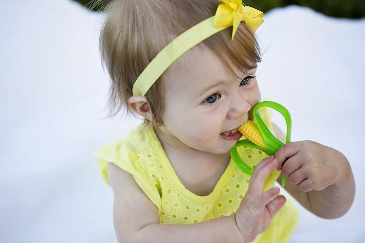 Mini Corn Cob Infant Toothbrush - Corn Cob Baby Teether