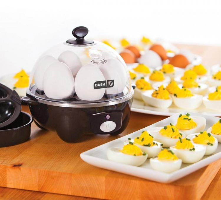 Rapid Egg Cooker Hard-Boils 6 Eggs Without Having To Boil Water
