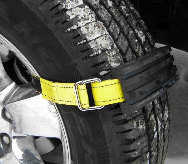 Trac-Grabber Attaches To Your Car Tire To Get You Unstuck From Snow, Sand, and Mud
