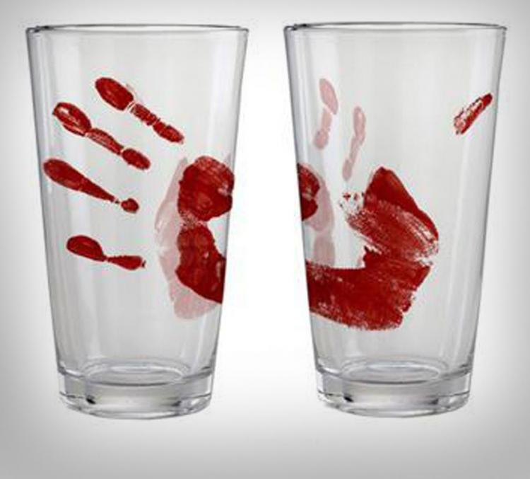 bloody hand print glasses - Bloody Halloween Decorations