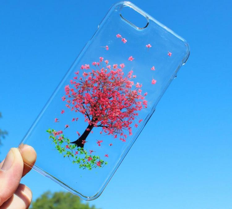 iPhone Cases Made From Real Pressed Flowers