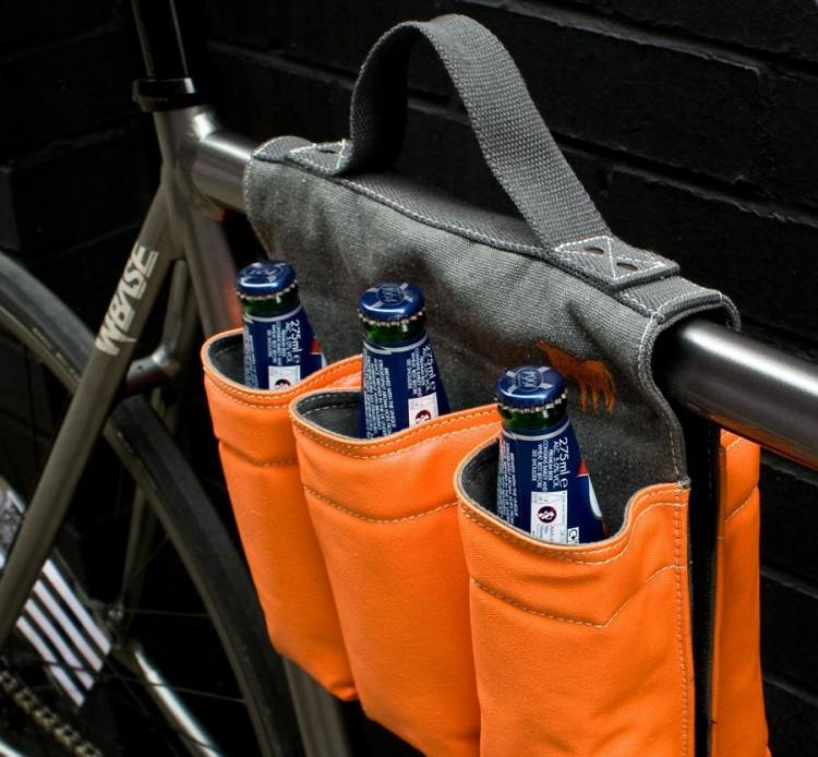 6 Pack Bike Bag Lets You Carry a 6 Pack of Beer On Your Bicycle