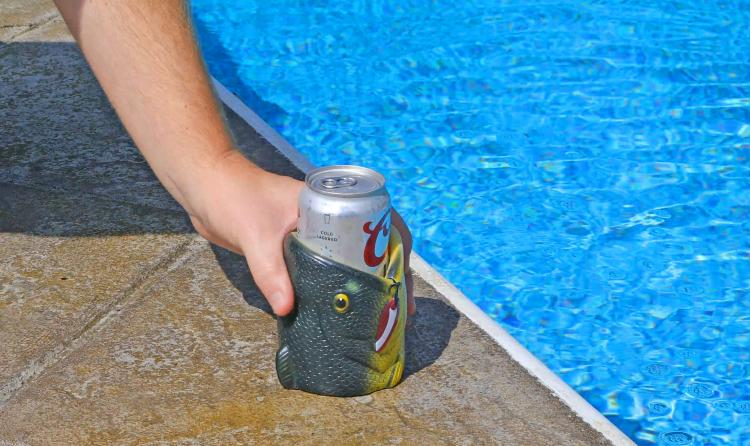 3D Fish Head Beer Koozie - Padded large-mouth bass eating beer can koozie