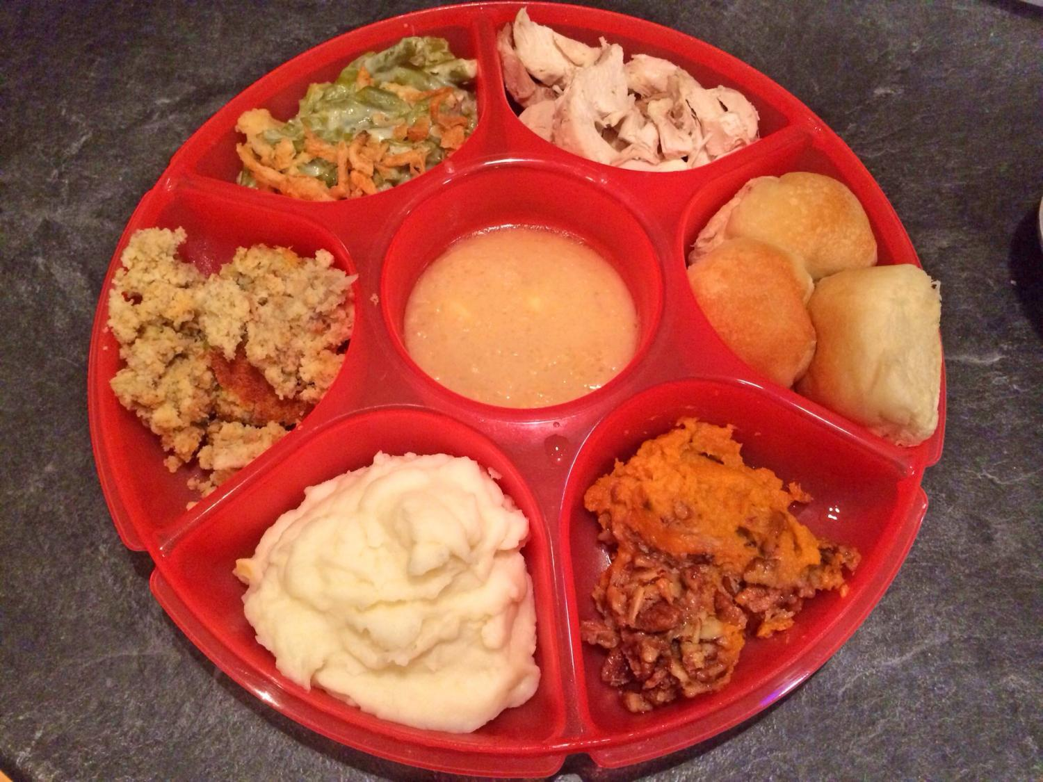 7 Section Divided Plate - The perfect plate for Thanksgiving Dinner