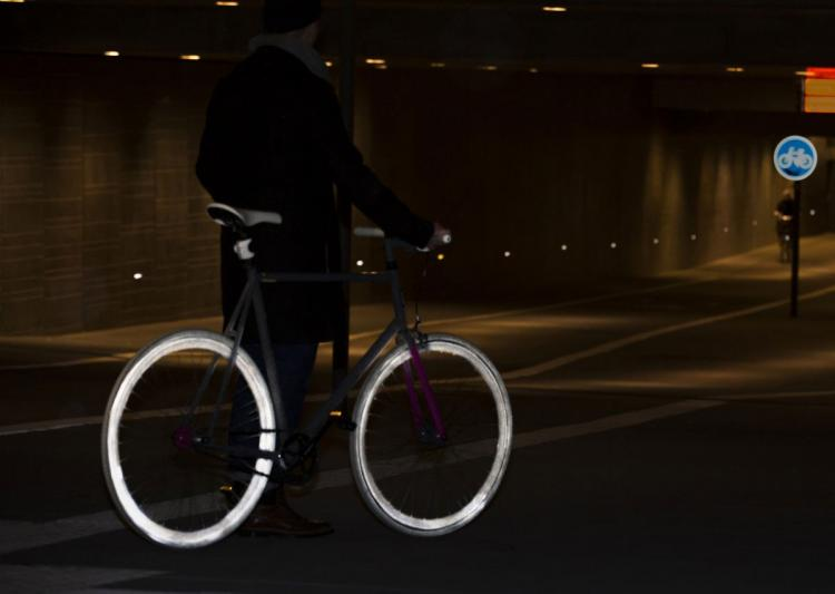 Albedo 100 Reflective Spray - Illuminates and reflects light at night to be seen while jogging, bicycling