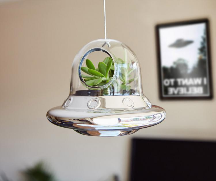 Alien Invasion Flying Saucer Hanging Air Plant Holder - UFO alien ship succulent planter