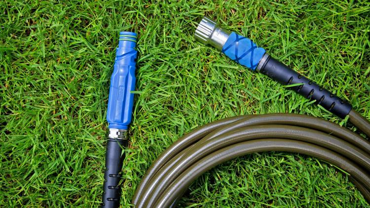 Aquor Home Hydrant - Fire hydrant connection for your outdoor water faucet - Modern garden spigot replacement