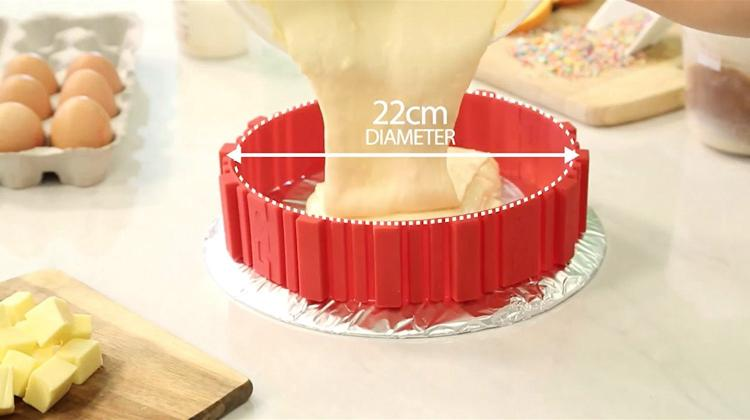 Bake Snake: Flexible Cake Molder Lets You Bake Any Shaped Cake