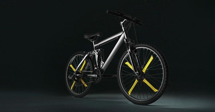 Balight Makes LED Moving Images on Bike Wheels