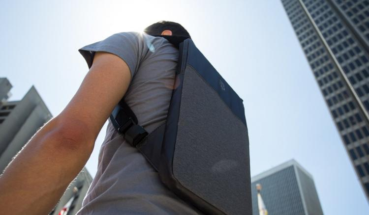Betabrand - Ultra-slim laptop bag - hides under jacket