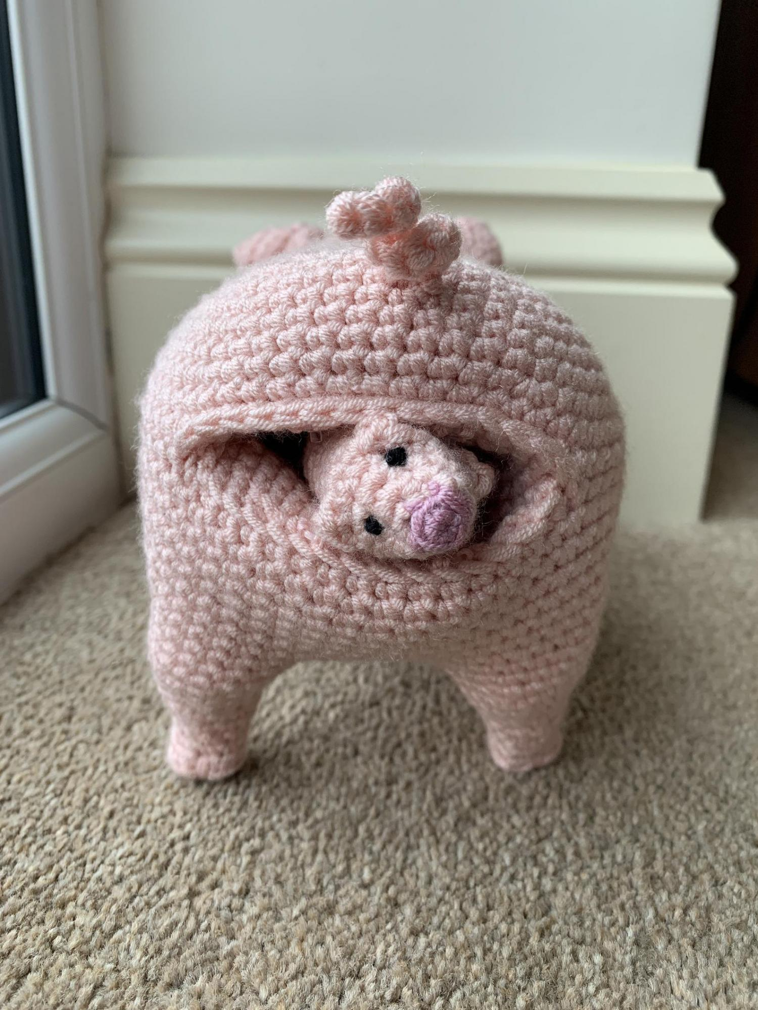 Birthing Pig That Feeds Its Piglets - Pig with Piglets Crochet Pattern