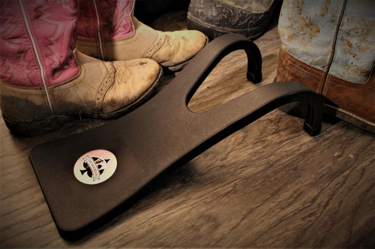 Boot Jack Lets You Easily Kick Off Your Boots Hands-Free - Remove boots with no hands