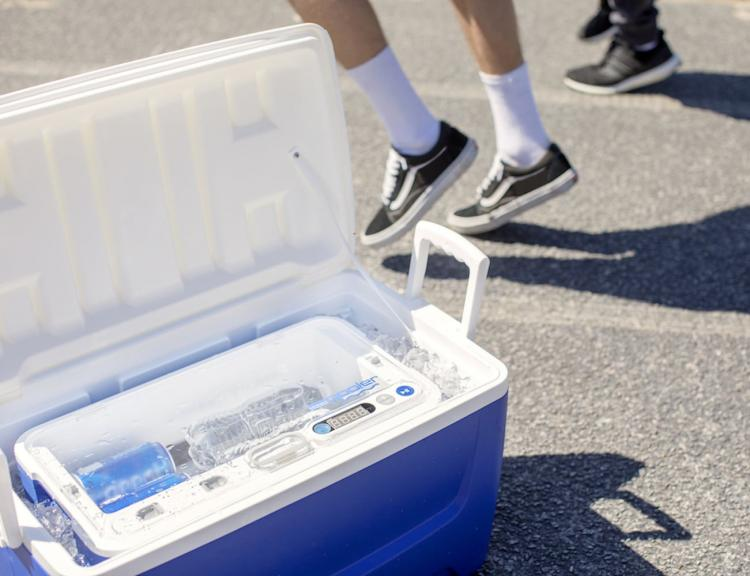 Blue Quench Qooler Spins and Chills Your Beverages In Seconds