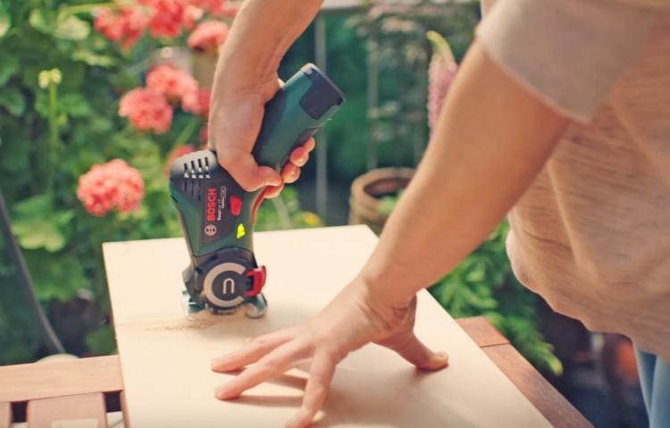 Bosch EasyCut NanoBlade Mini Chainsaw - Tiny chainsaw blade on handheld power tool