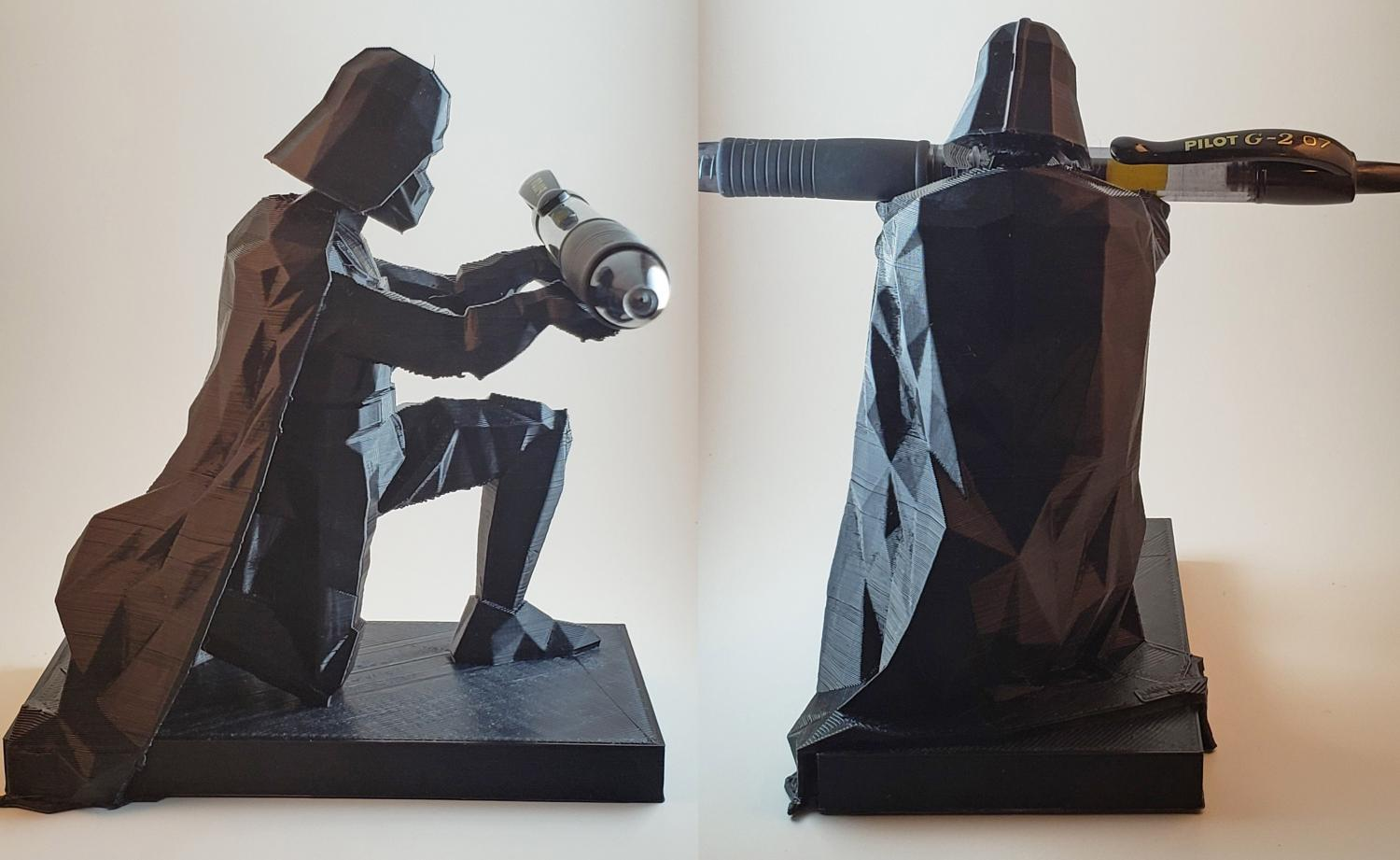 Bowing Darth Vader Pen Holder