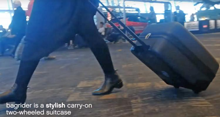 Buggy Bagrider Carry-on luggage that doubles as a stroller - luggage baby stroller combo