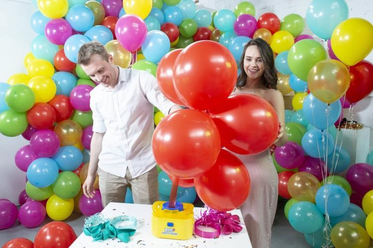 Bunch o Balloons Automatic Party Balloon Filling and Tying System - Inflate multiple party balloons at once