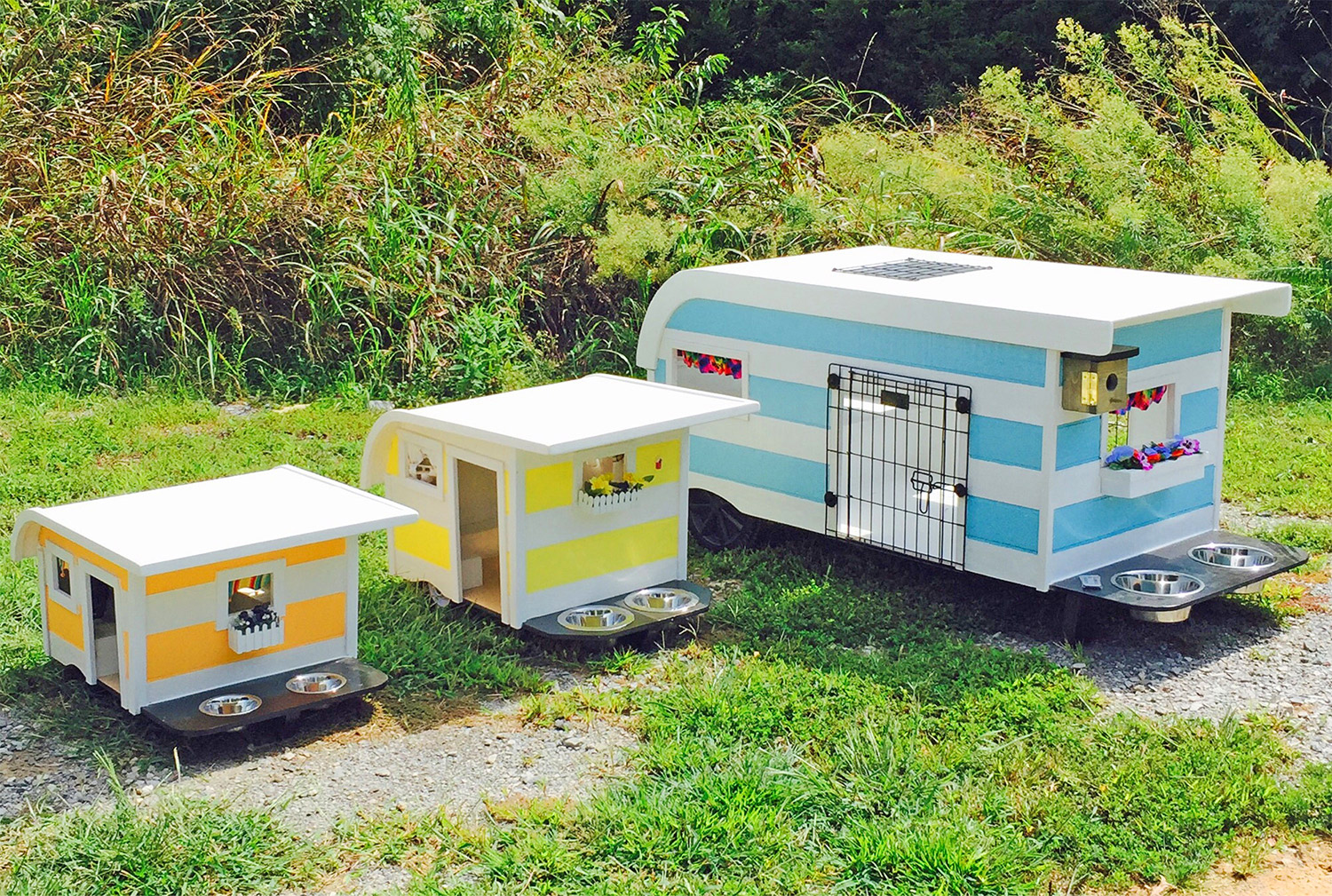 Camping Trailer Dog Beds - Canine Campers RV shaped dog bedsCamping Trailer Dog Beds - Canine Campers RV shaped dog beds