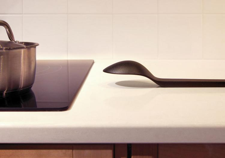 Cantilever Serving Spoon - Don't Touch The Surface of Table