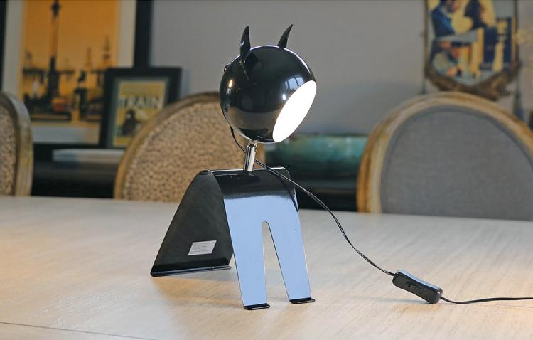 Cat Shaped Desk Lamp - Retro Design Adjustable Cat Light