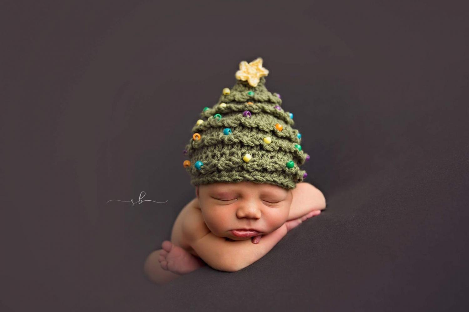Christmas Tree Hats For Newborns and Toddlers - Crochet Christmas Tree Plans Pattern