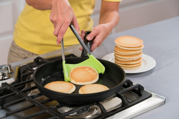 Clever Tongs: Tongs and Spatula Combo - Best kitchen cooking tool