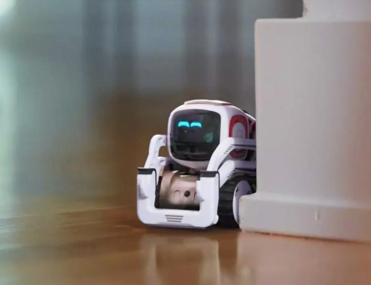 Cozmo Cute Mini Robot - Interactive home robot toy for kids - Bulldozer robot like Wall-e