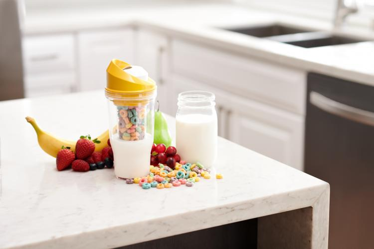Crunch Cup Portable Cereal And Milk Cup - Non-soggy cereal and milk travel mug