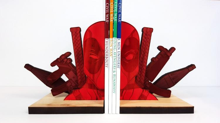 Deadpool Bookends - Deadpool Wooden Book Holder