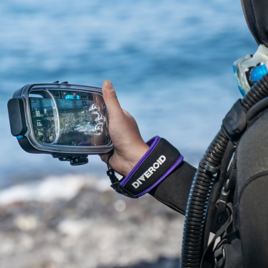 Diveroid all-in-one scuba diving computer, sensor, logbook, and underwater camera