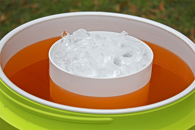 Double Container Beverage Cooler Doesn't Dilute Your Drink