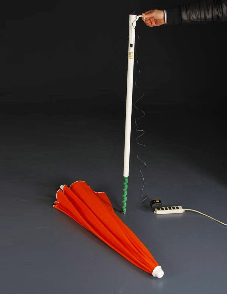 Drillbeach Electric Umbrella Drills Into Sand