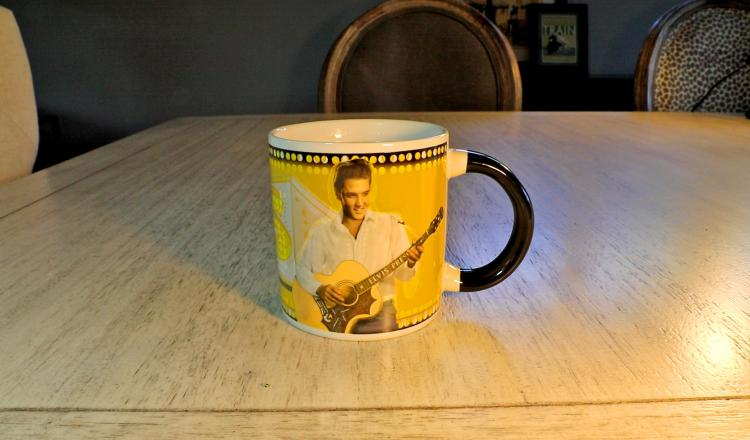 Elvis heat changing coffee mug - elvis mug changes from vegas elvis to memphis elvis with hot liquid