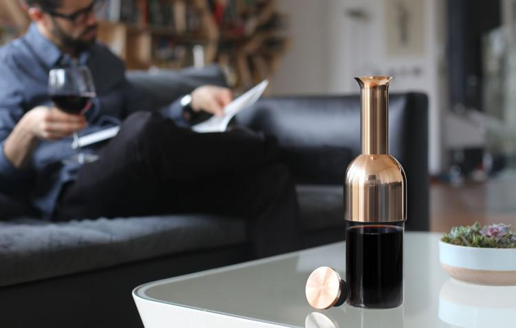 Eto Wine Preserver - Wine Preserver removes all air from wine bottle - water-tight air seal wine bottle decanter