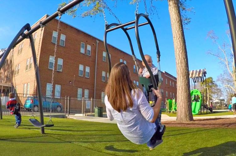 Expression Swing - Parenting Swing Lets You Swing With Your Baby Eye-to-Eye