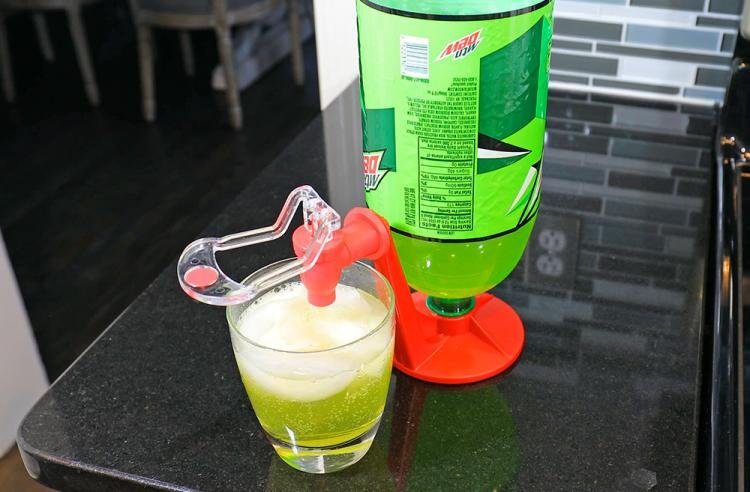 Party Soda Dispenser and Soda Fizz Saver