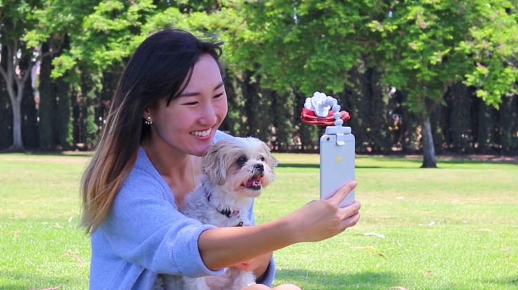 Flexy Paw - Smart Phone Camera Treat Holder - Smart Phone Treat Holder For Dog Pictures - Dog Selfies