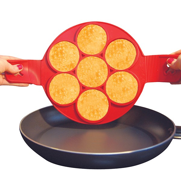 Flippin' Fantastic - Makes 7 pancakes at a time - silicone cooker flips 7 pancakes at once