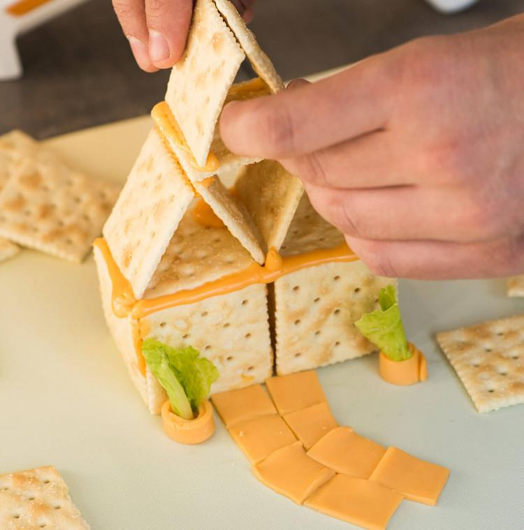 Fondoodler Cheese Gun - Cheese Glue Gun - Draw With Melted Cheese Gun
