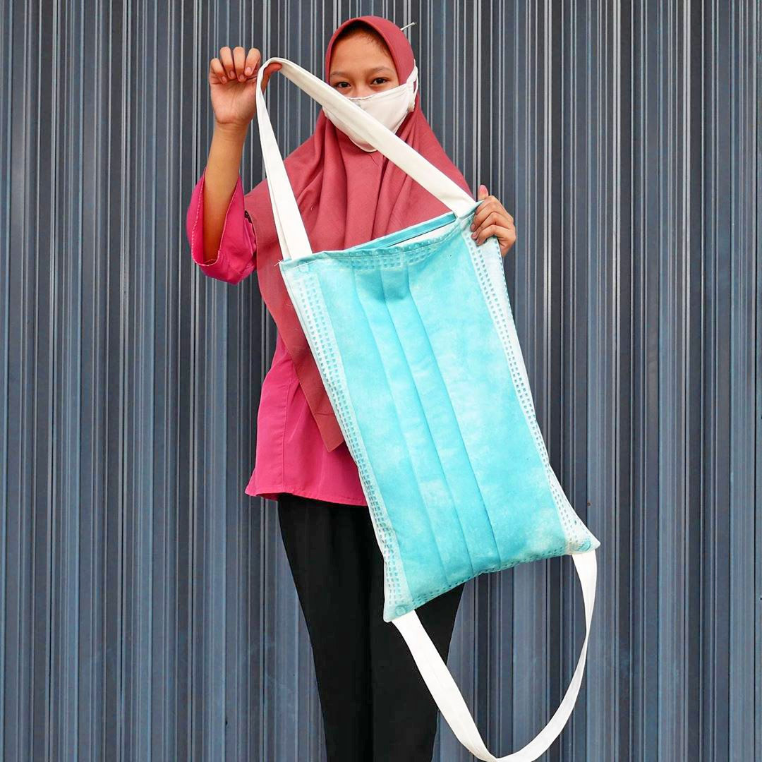 Giant Surgical Mask Tote Bag - Plans to make face mask bag