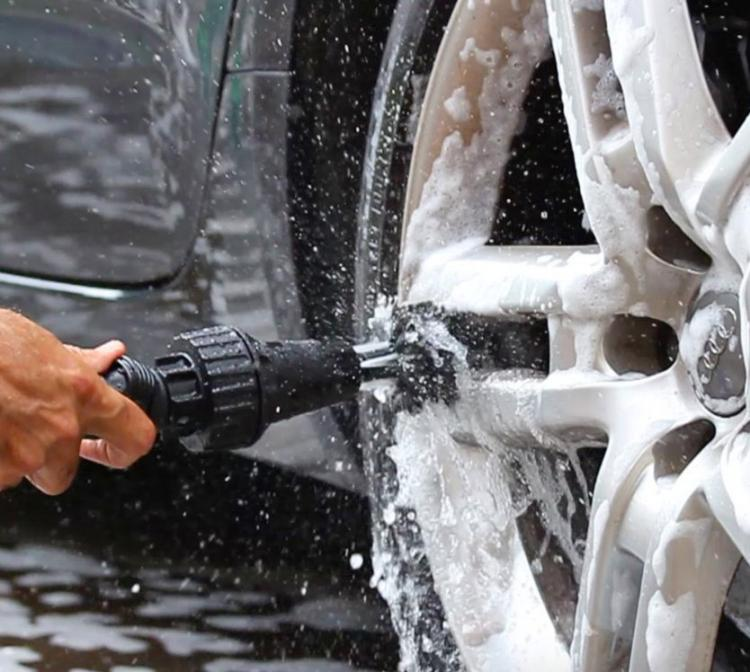 Brush Hero: Water Powered Turbine Cleans Your Cars Rims and Tough Spots