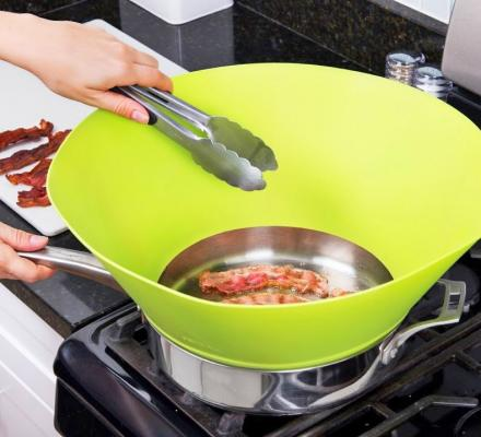 Frywall Protects You From Splattering Grease While Cooking