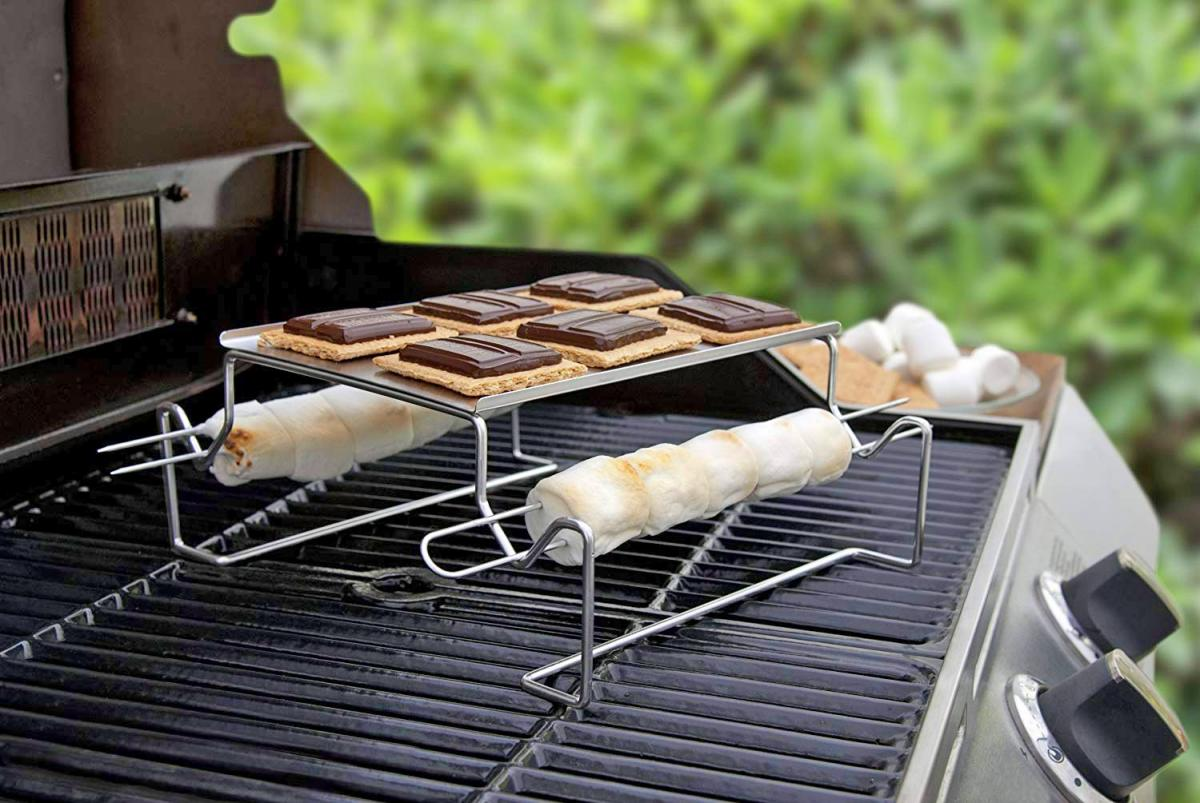 S'mores Roasting Rack Lets You Make S'mores On The BBQ - Best gift idea for s'mores lovers