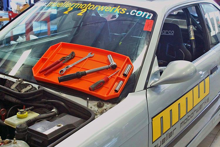 GrypMat - Flexible Non-Slip Tool Tray - Keeps tools stuck to angled and uneven surfaces - Car mechanics tool tray
