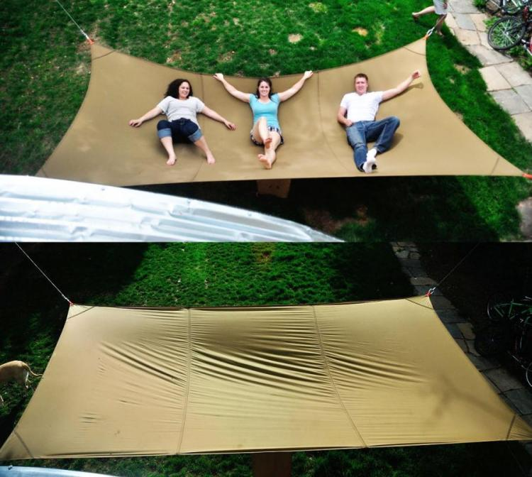 Giant Hammock Holds Up To 1,100 LBs