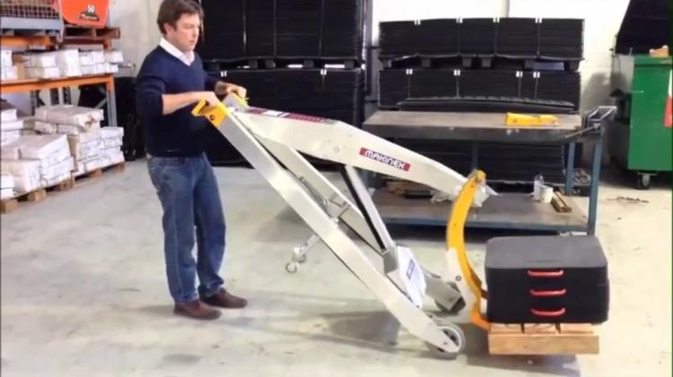 Makinex Hand Powered Forklift - Powered hand truck lets you lift over 300 lbs with one person