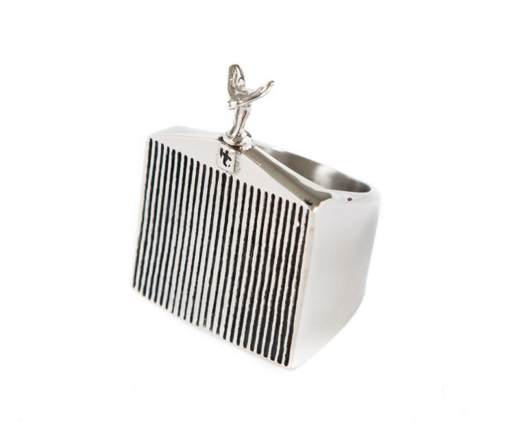 Hood Ornament and Car Grill Ring