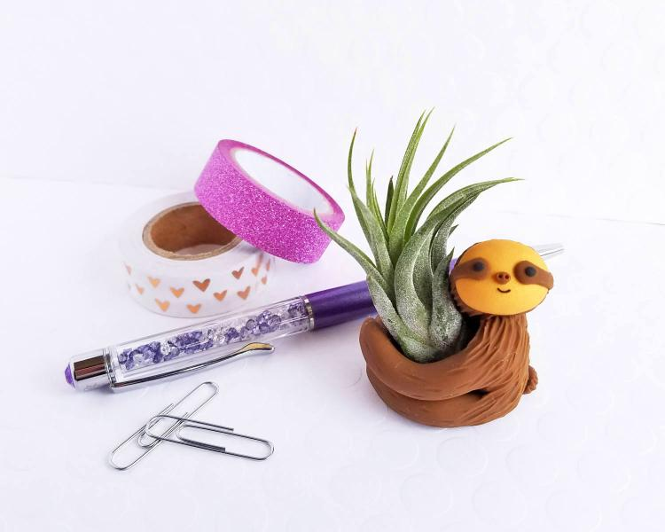 Hugging Sloth Air Planter - Cute sloth air plant holder